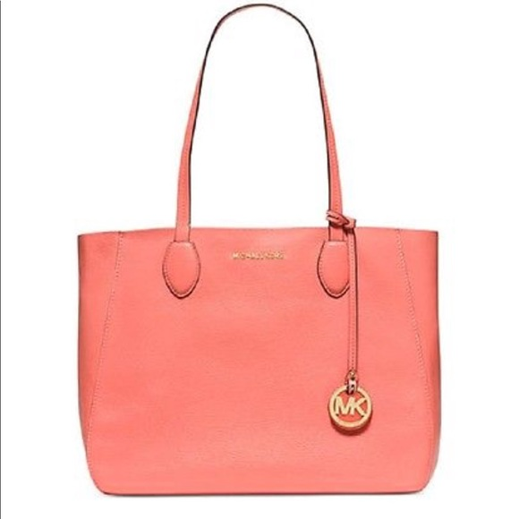0018bb4c0284 Michael Kors Large Mae East West Reversible Tote. M_5ac3ff1e05f43014c715ad8e